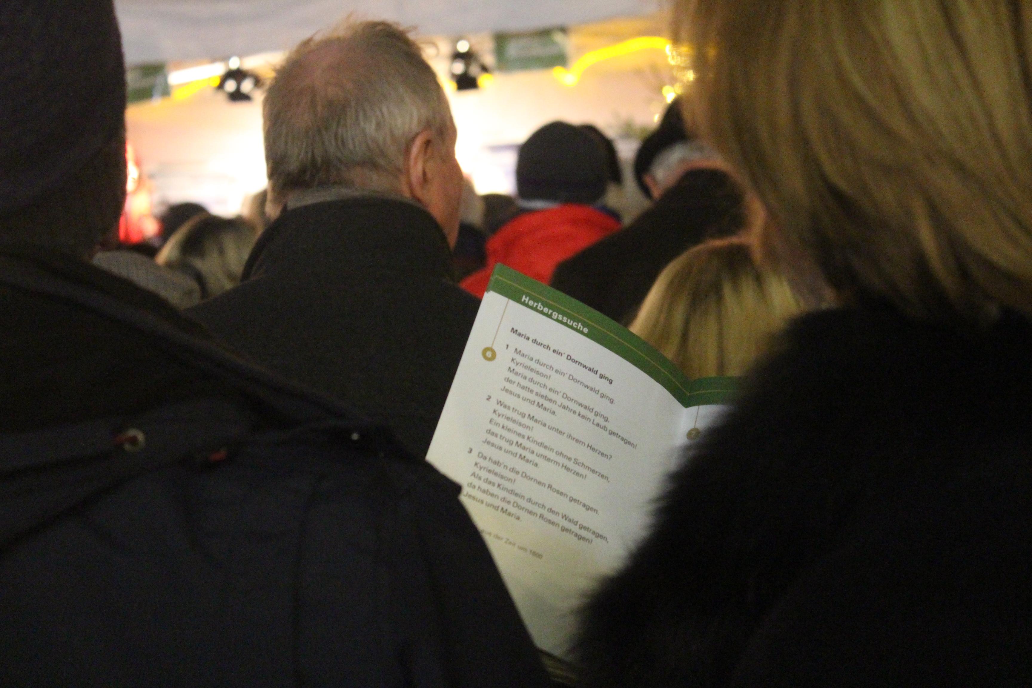 Suche Deutsche Weihnachtslieder.Adventssingen In Der Fußgängerzone Mk Online