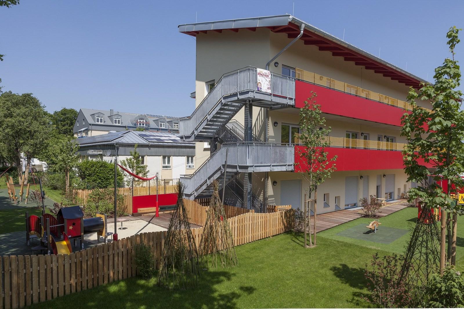 Faszinierend Haus Auf Stelzen Foto Von Das Dem Gelände Des Albertinums Bietet Kinderkrippen-